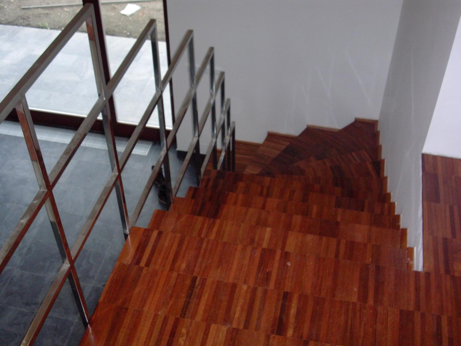 Merbau-podlaha-a-schody-138
